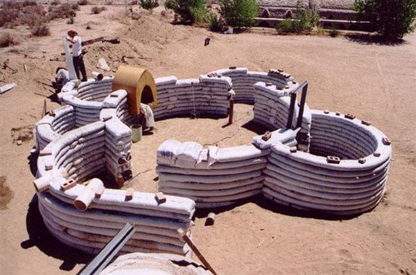 l'élèvation des murs de l'eco-dôme